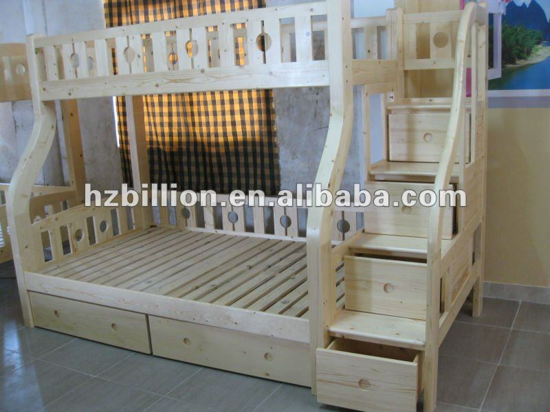 enfants et enfants bois massif lits superpos s avec des escaliers en couleur naturelle literie. Black Bedroom Furniture Sets. Home Design Ideas