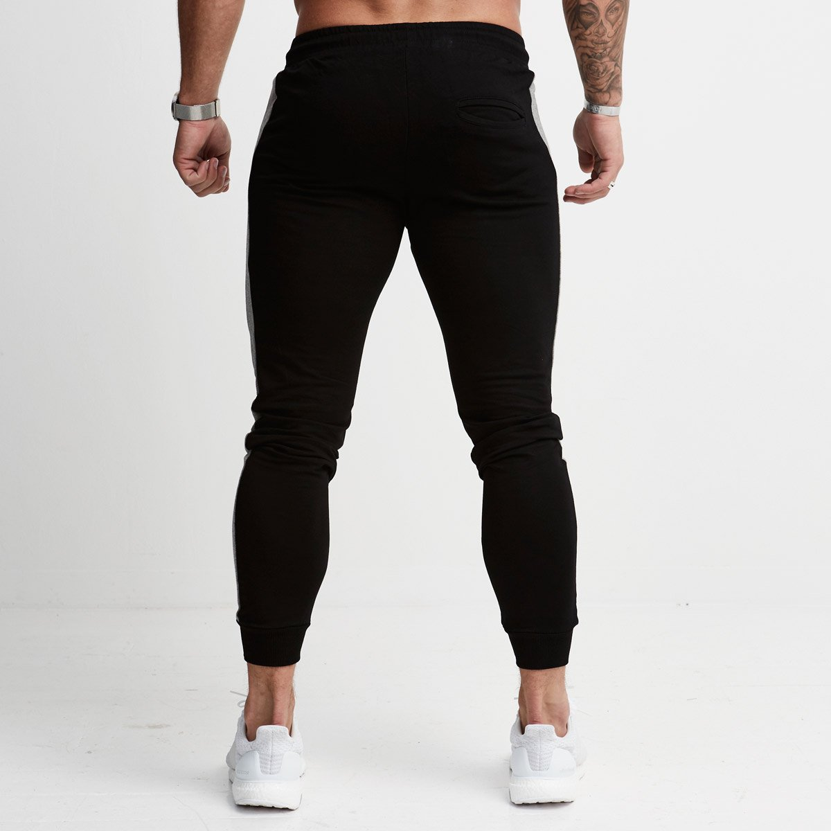 sexy-male-joggers-nervous-wife-fucks
