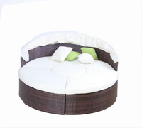 Daybed Outdoor Rattan Furniture Wicker Backyard Poolside Garden Round Rattan Daybed