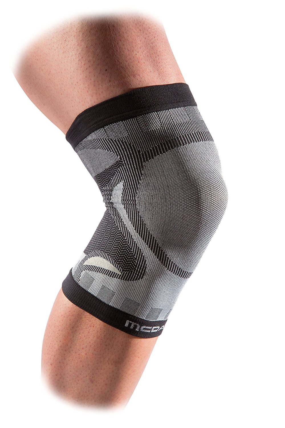 2e285c2705 Get Quotations · McDavid Freelastic Seamless Knit Compression Knee Sleeve  for Knee Support and Relief From Runner's Knee and