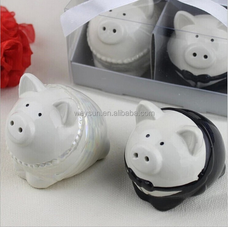 Black And White Color Pig Bride Groom Salt Pepper Shakers Wedding