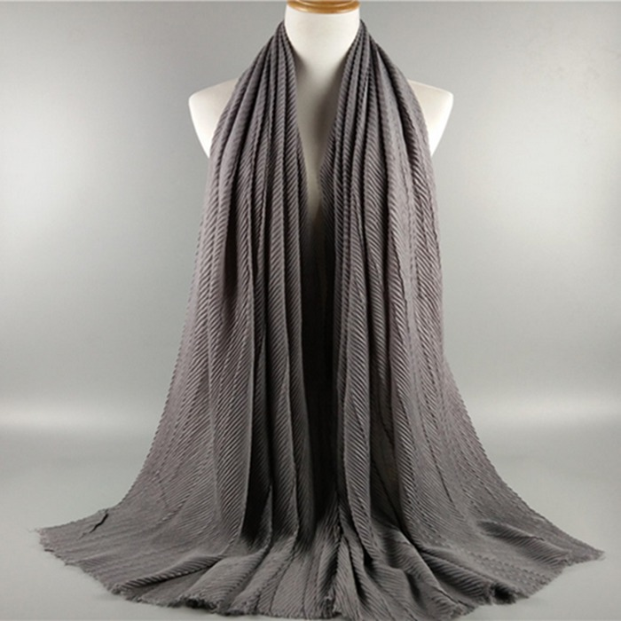 Nice coloured big size women muslim hijab scarf crushing and tie-dying plain rayon shawls hijab