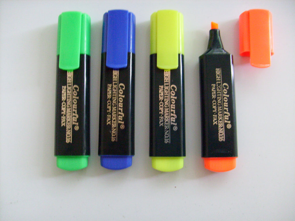 new style of two tip and two different color highlighter marker
