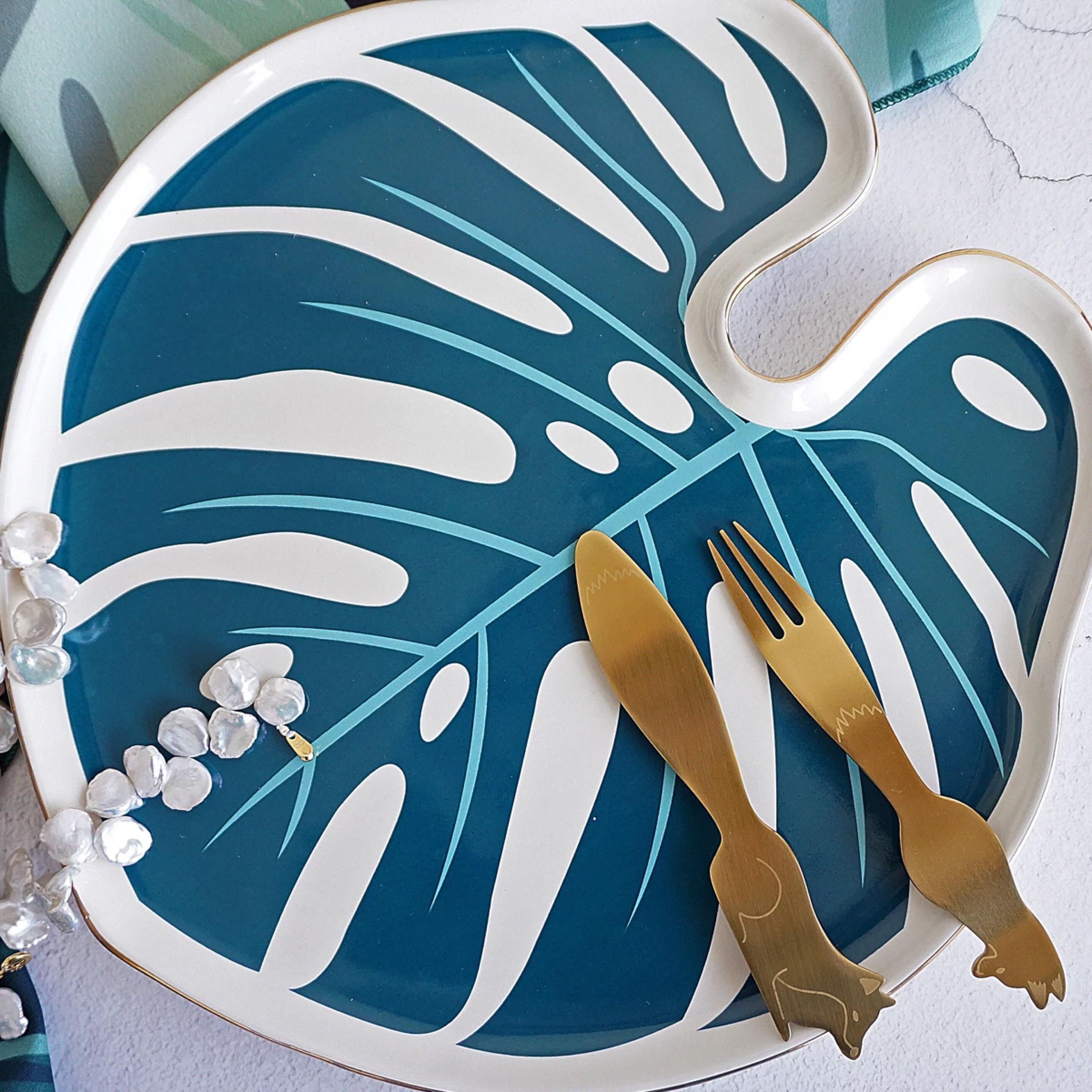 Hand Painted Palm Design Leaf Shape Creative Nordic Luxury Dinner Ceramic Plates Set With Rim Buy Ceramic Plates Set Ceramic Plate Dinner Ceramic Plate Nordic Product On Alibaba Com