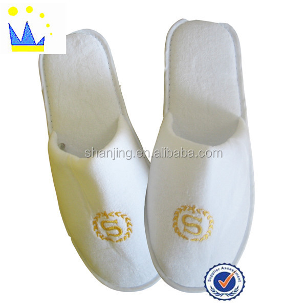 Supply of male and female models white velvet hotel slipper