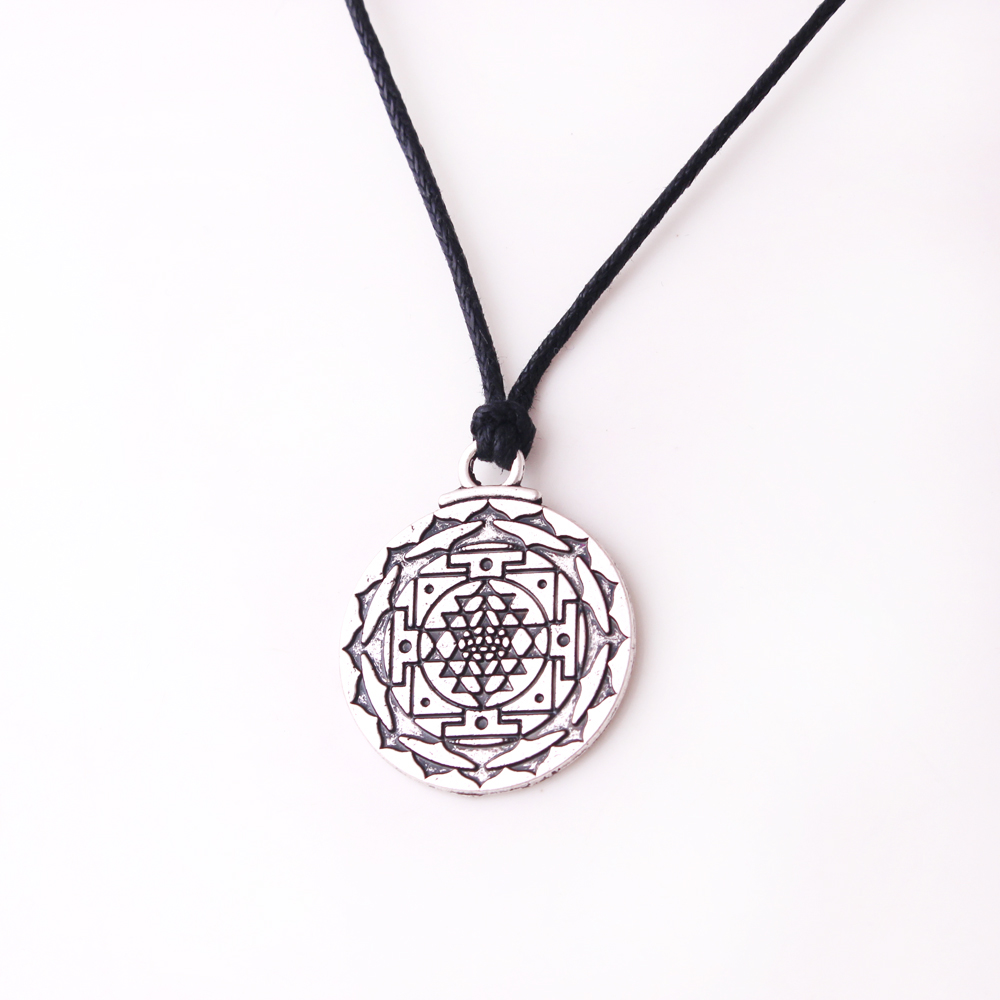 N0550 Huilin Jewelry Silver Color Chakra 3rd Eye Hindu Goddess Yoga Sri Yantra Wiccan Wealth Pendant Necklace