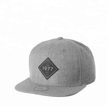 c8f8459492f Custom Leather Patch Logo 6 Panels Grey Snapback Hats With flat Brim  Wholesale