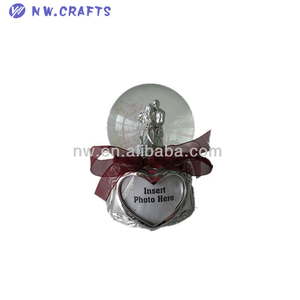Wedding souvenir gifts water globe