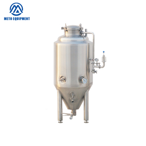 Small batch brewing fermenter with stainless steel or red copper