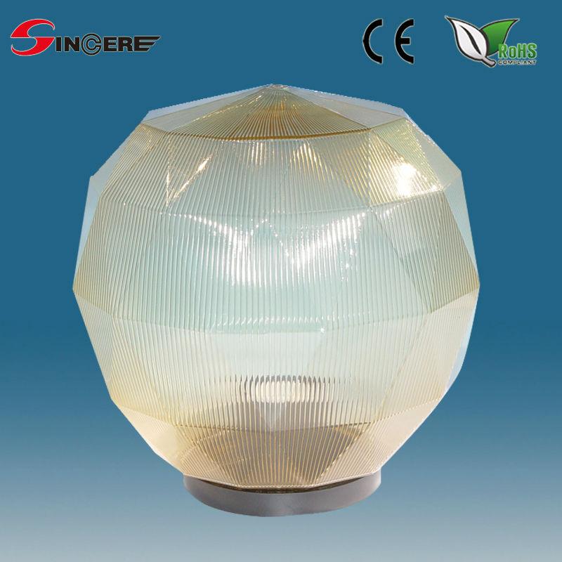 Outdoor Lighting Uvioresistant Acrylic Globe Gate Light