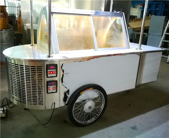 Mobile food truck /ice cream display food trailer