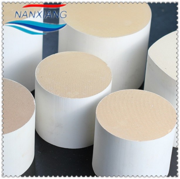 cordierite honeycomb ceramic catalyst substrate for car exhaust gas purifier