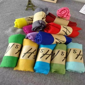 Wholesale Quality Assurance China Factory Direct Muslim Soft Shawls Promotional Cotton Viscose Muslim Cheap Crinkle Hijab