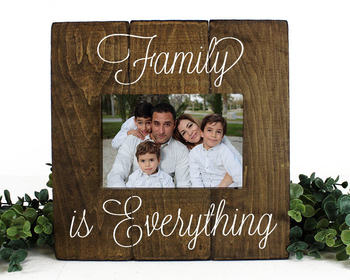 Family pallet photo frame Family is Everything