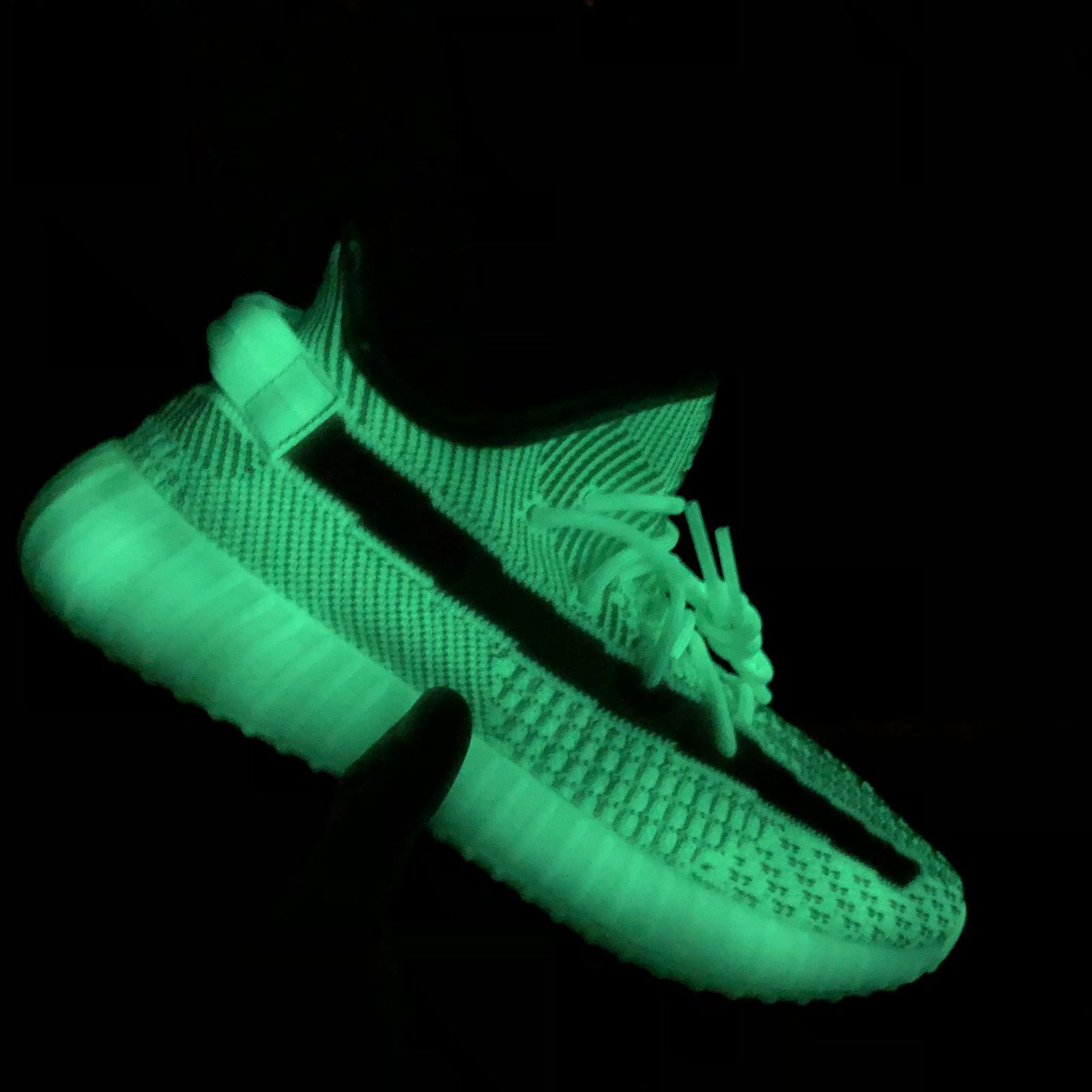 Alibaba.com / New Arrival Reflective Lundmark Antlia Synth Yeezy 350 V2 Glow Green Sports Running Shoes
