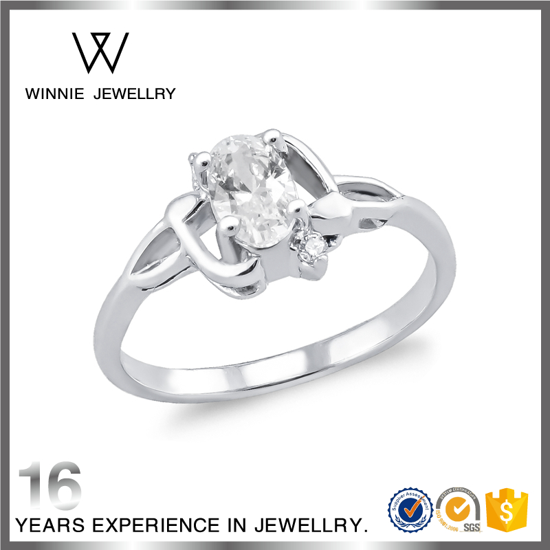 Sterling Silver Ring With Large Clear Stone On Middle Finger For Your Girlfriend-RC0519202800
