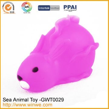PVC Carton Fashion Rabbit LED Bath Toy