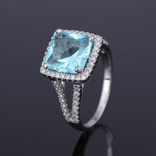 Sky Blue Sapphire CZ <span class=keywords><strong>Pietra</strong></span> di Diamante Two Tone anelli gioielli