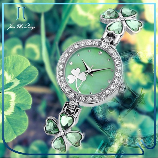 Latest ladies watch chain bracelet watch Lucky grass crystal watch with quartz movment cheap wholesale