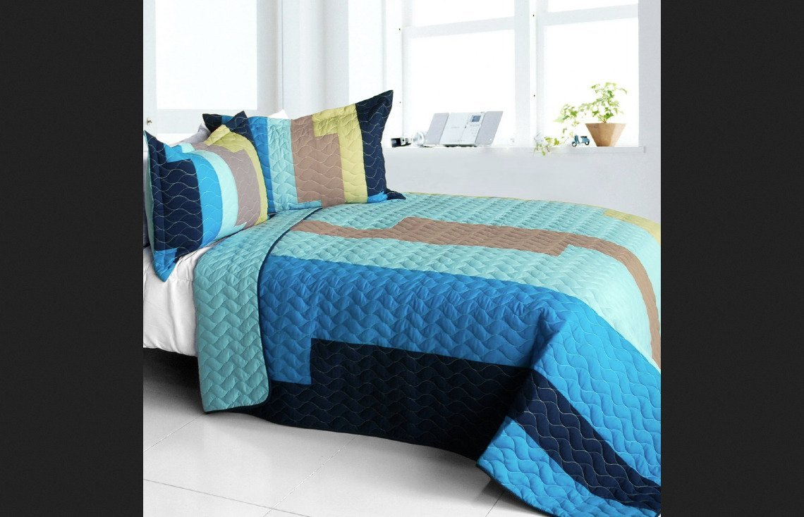 Blancho Bedding Full/Queen Classic Playbook - A Vermicelli-Quilted Patchwork Striped Quilt Set