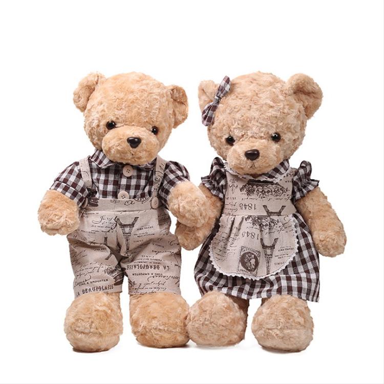 Promozionale farcito retrò paio di peluche Teddy orso che indossa abbigliamento vintage