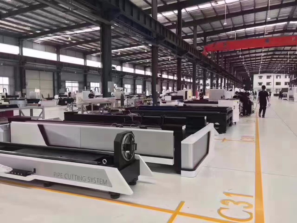 European quality Automatic loading fiber laser cutting machine 3000mm 6000mm for Stainless carbon tube and pipe