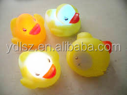 LED flashing bath duck/LED sound flashing bath animal toy