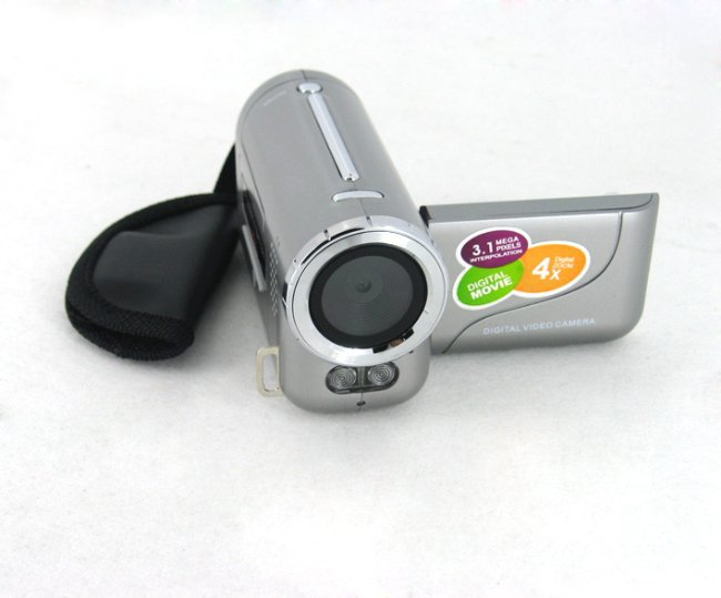 "Free Shipping 3.1Mp Mini Digital Video Camera with 0.3Mp CMOS Sensor 4x Digital Zoom and 1.44"" TFT LCD Display"
