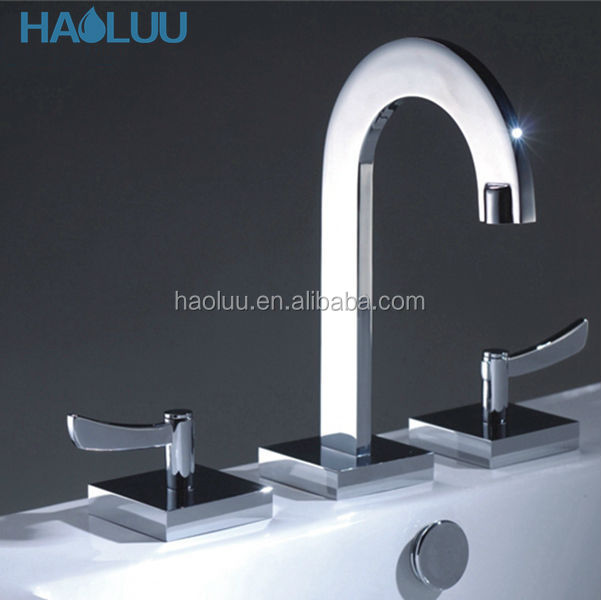 CSA Approved Chrome Plating Three Way Sink Brass Faucet HL91068