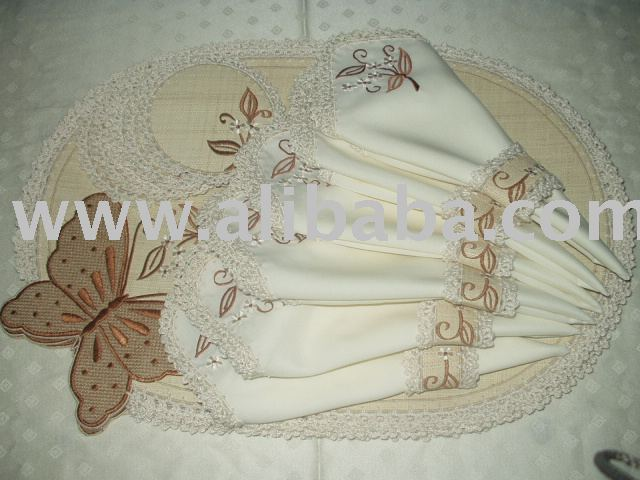 Raffia with butterfly design placemats