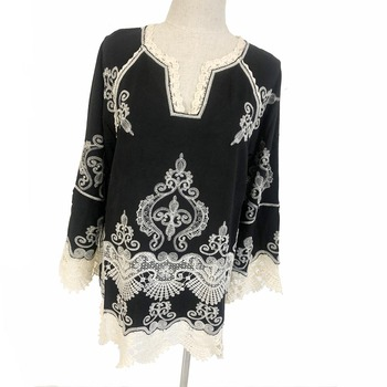 High quality custom wholesale women boho embroidery black plus size blouse / ladies cotton lace blouse in stock