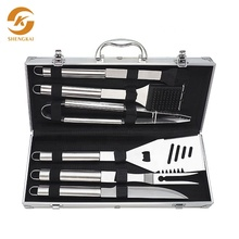 Amazon Vendita Calda Piccolo Ordine 7 PCS Barbecue Accessori BARBECUE Grill Tool <span class=keywords><strong>Set</strong></span> Con Il Caso Di Archiviazione