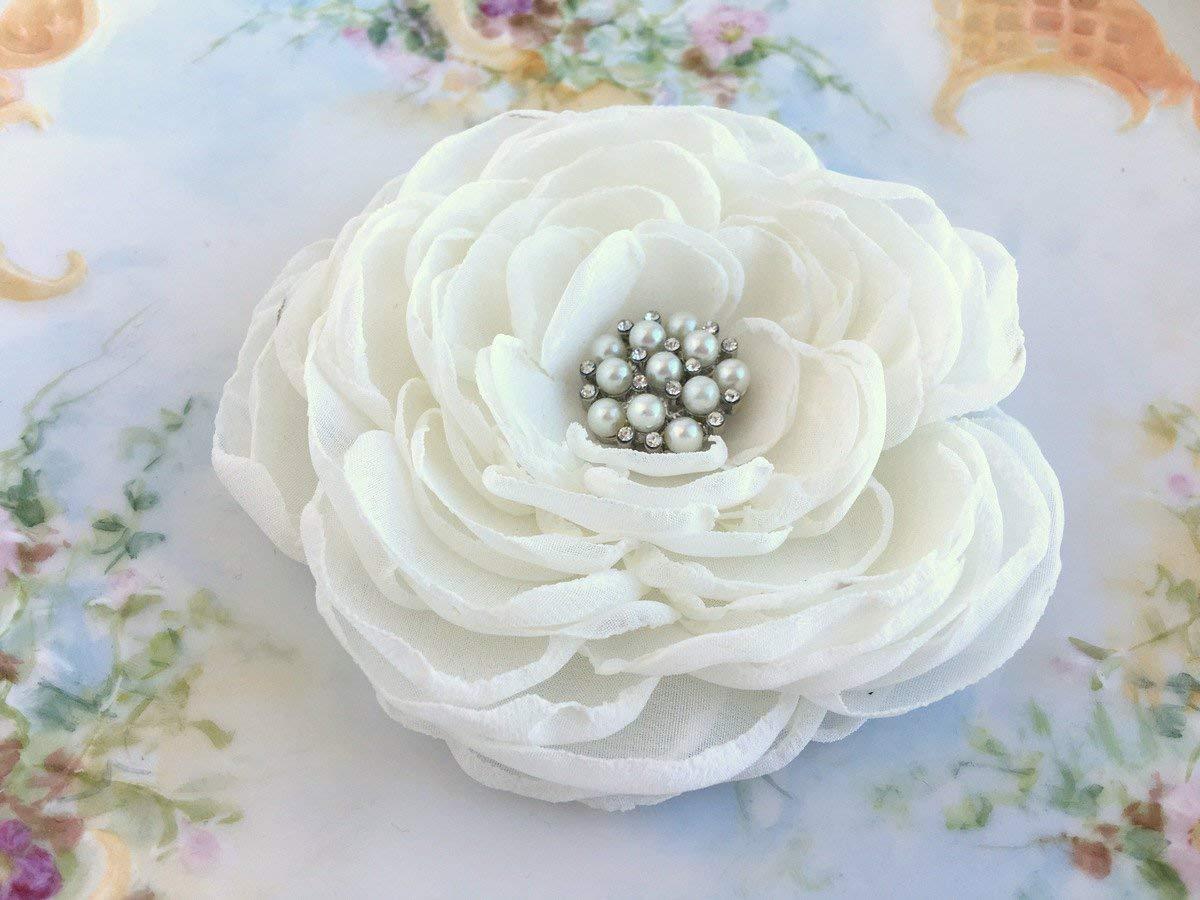 Ivory Bridal Hair Piece.Ivory Flower Brooch.Ivory Flower Hair Clip.Peony Flower.Ivory Peony Hair Clip.hair accessory.Ivory fascinator.bridal