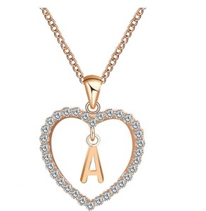 2018 New Fashion alphabet pendant design Diamond Heart letter Necklace