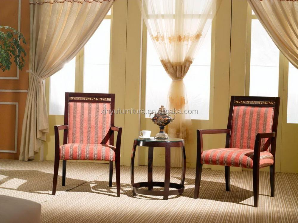 Novo design do quarto do hotel mesa de chá rodada e chaise