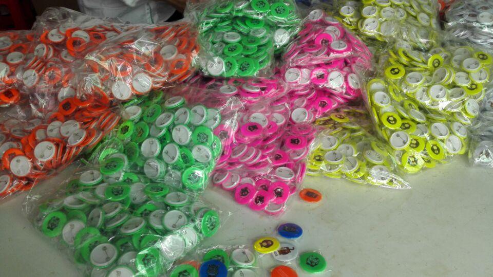hohe Qualität 58mm der Sicherheit des heißen Verkaufs reflektierende Stiftknopfabzeichen-Reflexbärnabzeichen