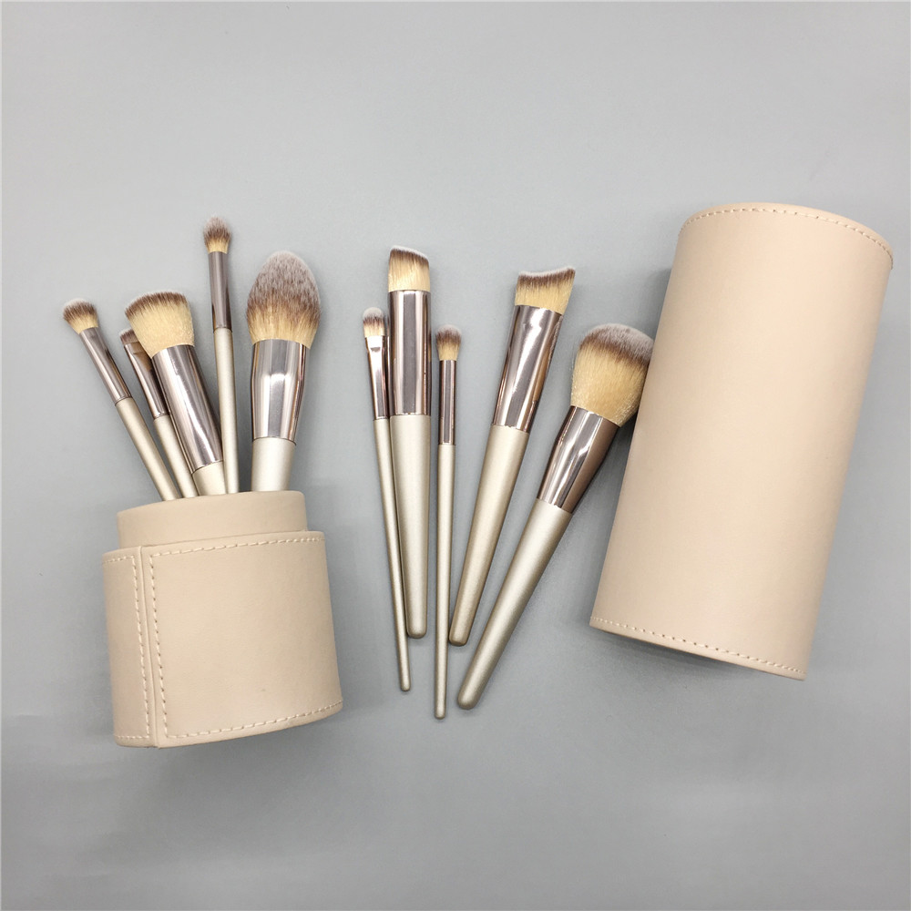 Customize Champagne color wood handle synthetic hair makeup brushes set with champagne color holder case