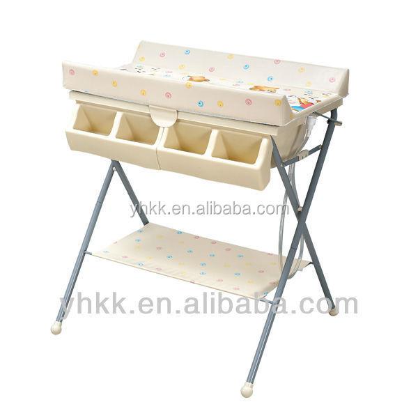 table langer avec baignoire b b pas cher meubles b b s id du produit 60215927780 french. Black Bedroom Furniture Sets. Home Design Ideas