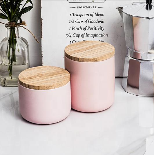 Matte black groothandel lege fijne goederen home decor keramische unieke kaars potten met houten deksels