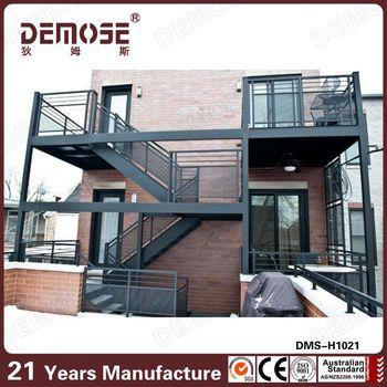 De escaleras al aire libre de hierro por las escaleras for Escalera de madera al aire libre precio