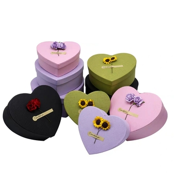 Delicate Customized Pearl paper Heart Shape Gift Packaging Chocolate Box for festival gift