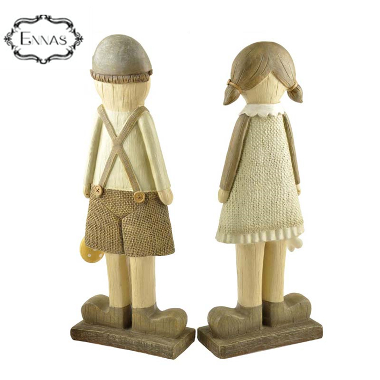 Hot sale creative Europe country style love couple statues resin dolls