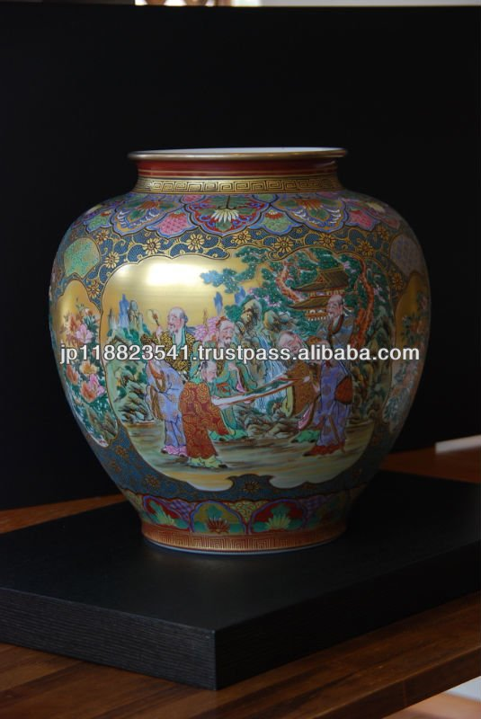 Japanese Vase For Gift and Home Decoration like exhibiting ceramics