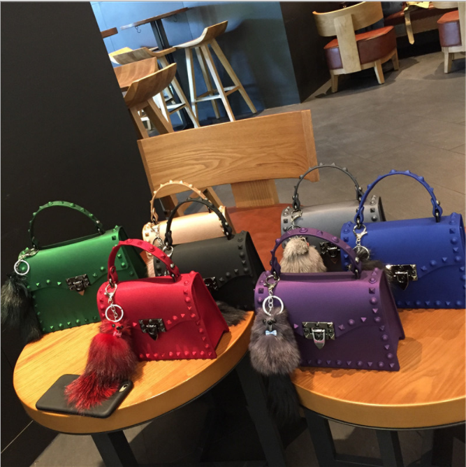 2019 kadın perçin çanta moda mat PVC jöle çanta moda renkli basit omuz çantası bayanlar