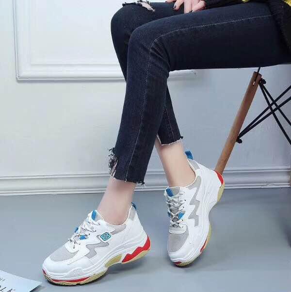 Commercio all'ingrosso a buon mercato le ultime stile popolare delle donne casuali di sport della piattaforma di modo scarpe goffo della scarpa da tennis papà scarpe