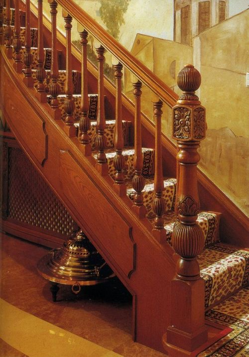 Superior Antique Hand Carved Wooden Stair Baluster
