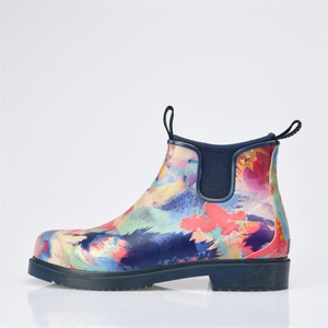 2019 Hot Selling Women Waterproof Colorful Printing Neoprene Rubber Ankle Boots Wholesale Short Muck Boots