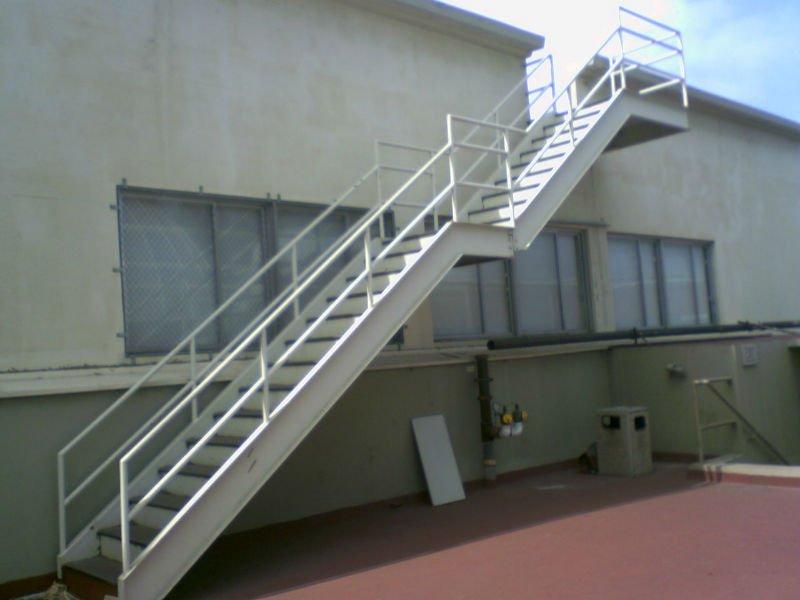 Koop laag geprijsde dutch set partijen groothandel dutch galerij afbeelding setop aluminium - Kooi trap ...