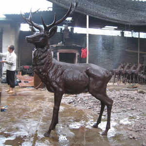 outdoor life size bronze deer statue for garden decoration