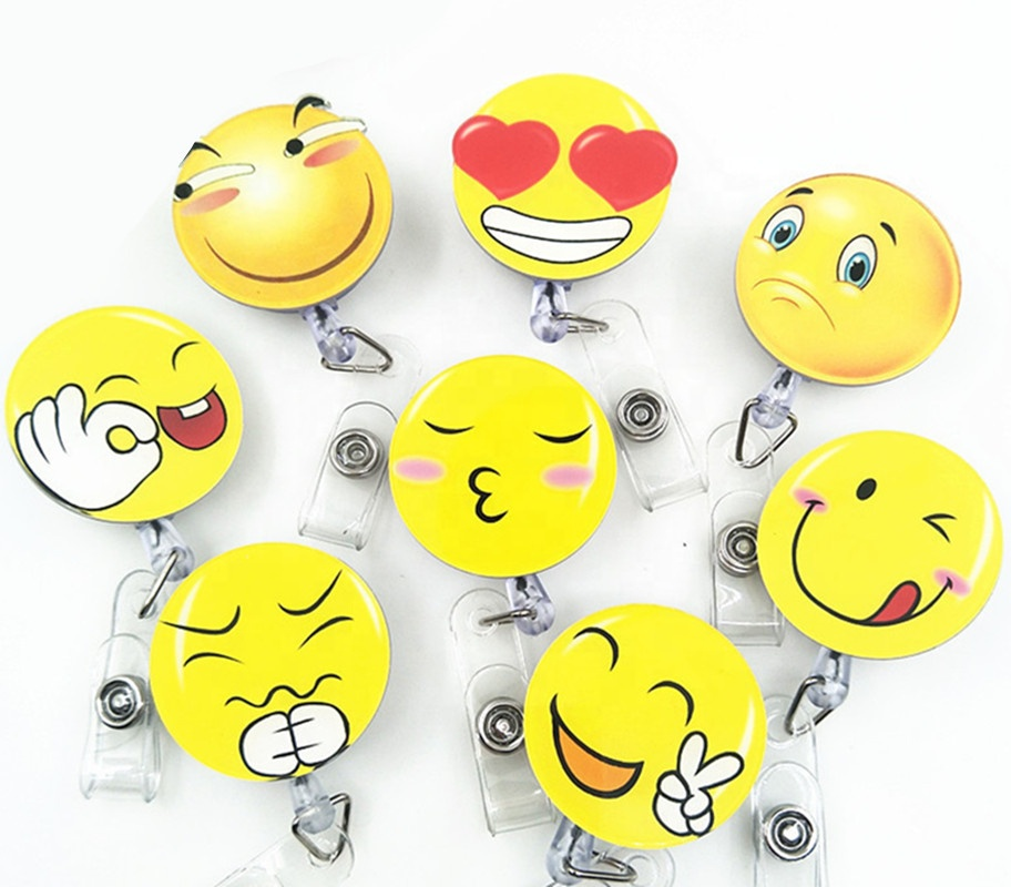 Di alta Qualità Carino Emoji Smiley Disegno del Fronte Yoyo Retrattile ID Badge Reel Holder per Medico Infermiere